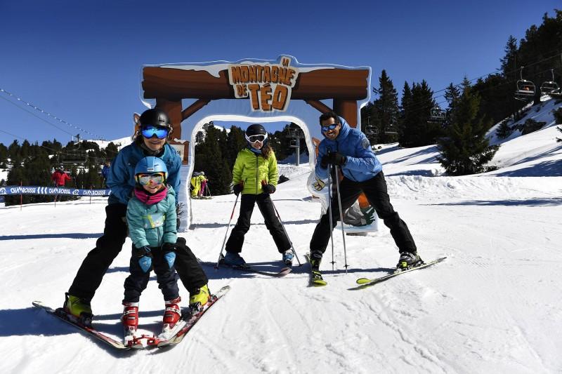 Family ski and slide