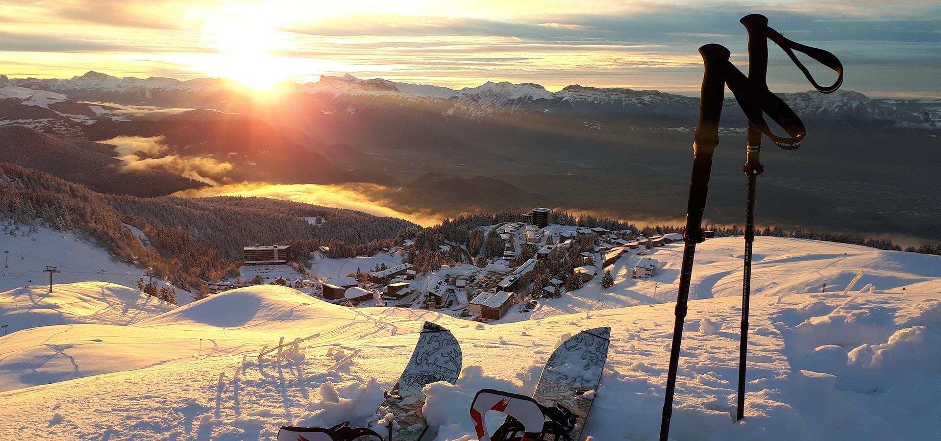 Splitboard ski de randonnée coucher soleil Chamrousse