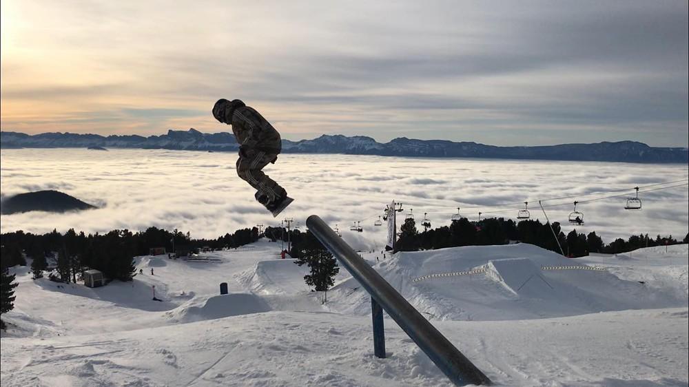 chamrousse-station-ski-isere-alpes-france-snowpark-tube-wiseride