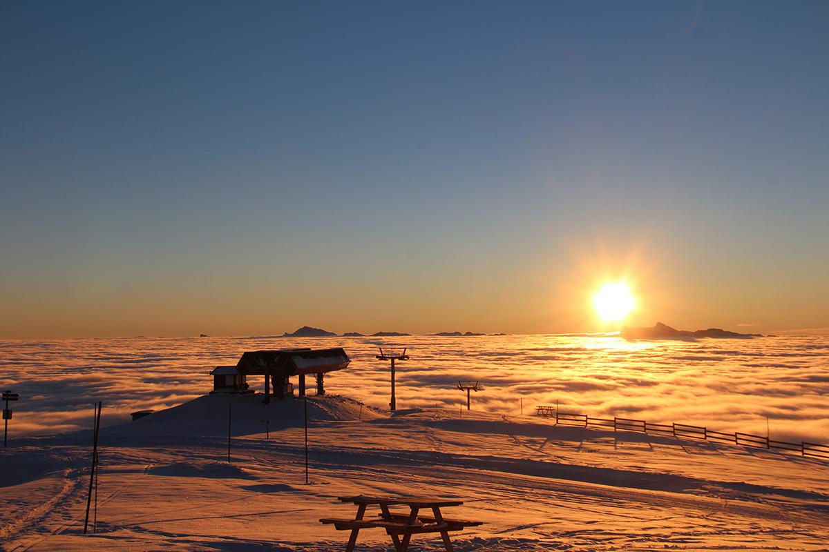 Chamrousse coucher soleil piste ski station montagne hiver isère alpes france - © Aeolus Drone