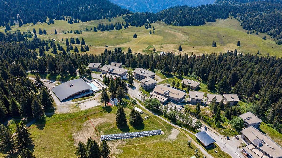 Chamrousse bachat-bouloud altitude 1700 mètres villages du bachat station été montagne isère alpes france