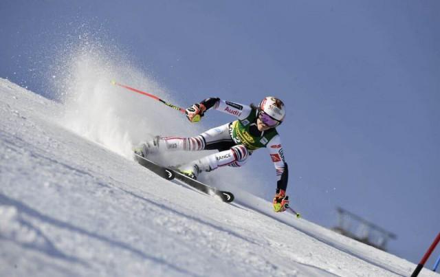 Championne ski alpin Coralie Frasse Sombet Chamrousse