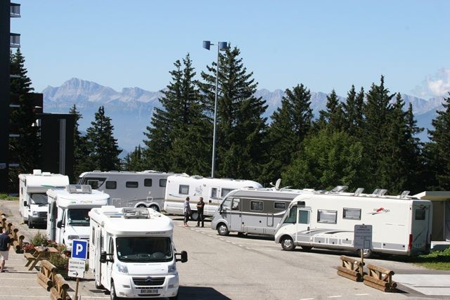 aire-de-camping-car-1650-ete-egot-24-335