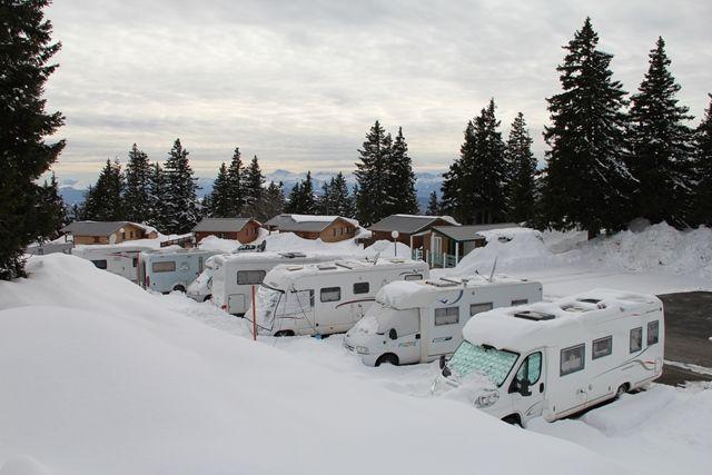 aire-de-camping-car-1750-hiver-8-332