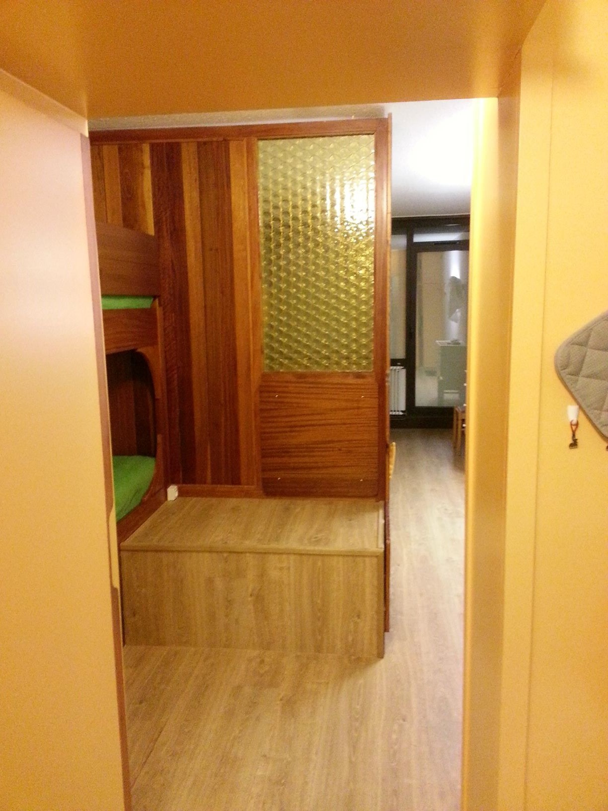 photo-modifiee-couloir-et-lits-1106723