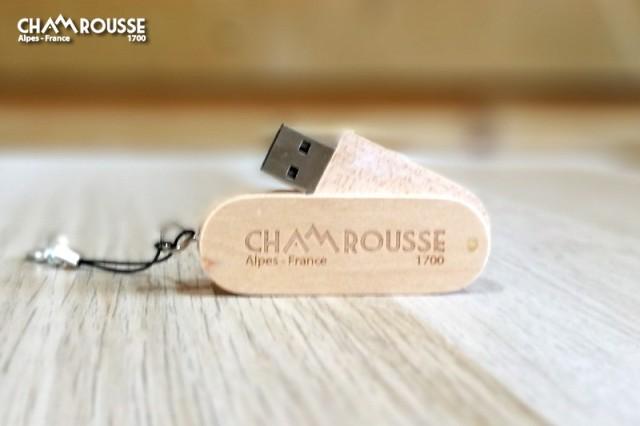 Chamrousse boutique souvenir cadeau clé usb bois station montagne ski isère alpes france