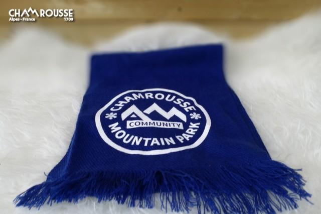 Chamrousse boutique souvenir cadeau écharpe chamrousse mountain park station montagne ski isère alpes france