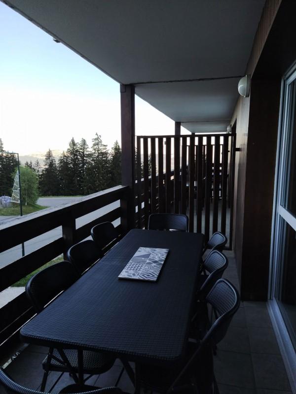 chamrousse-reservation-location-hebergement-terrasse-2-1674568